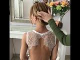 К такой причёске хочется одеть нежнейшее платье