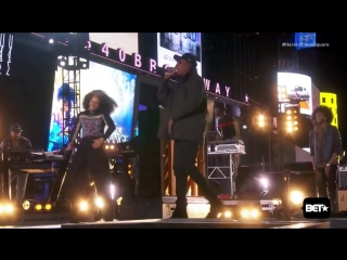 Alicia Keys  Jay Z - Empire State of Mind LIVE (HERE in Times Square)