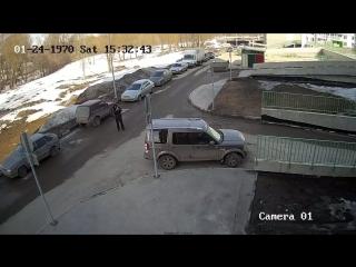 Неадекватная женщина водитель в Казани