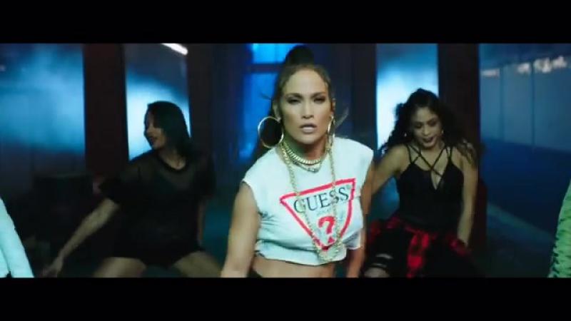 Дженнифер Лопес выпустила новый клип на испаноязычную песню
