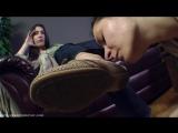 lesbian girl feet slave shoe licking Foot fetish Фут-фетиш #femdom #mistress