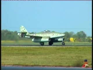 "Messerschmitt Me 262 ""Schwalbe"" - First Flight Over Berlin after 61 Years, Historical Footage!"