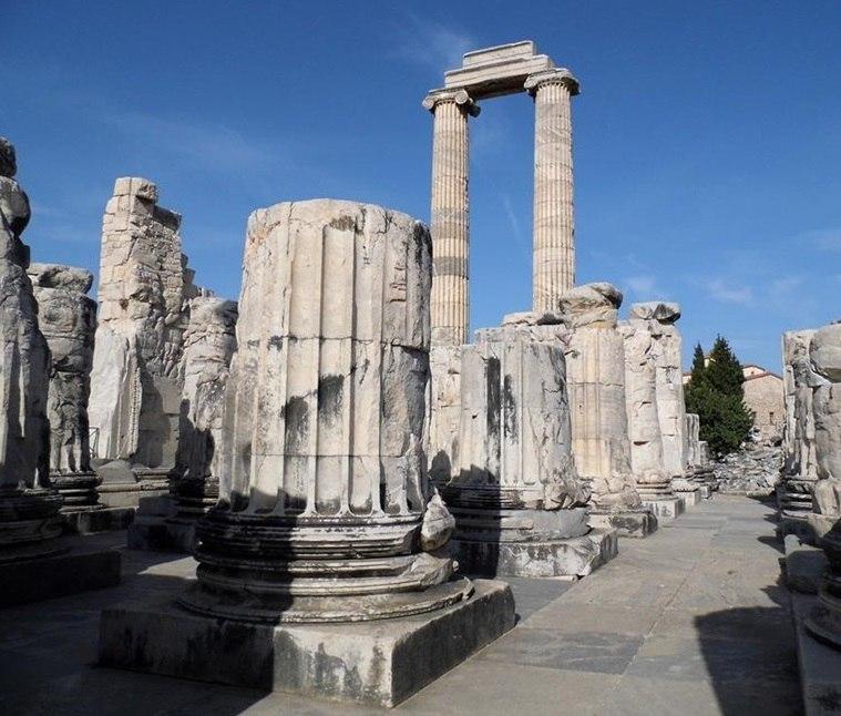 храм Аполлона в Дидиме (Турция)