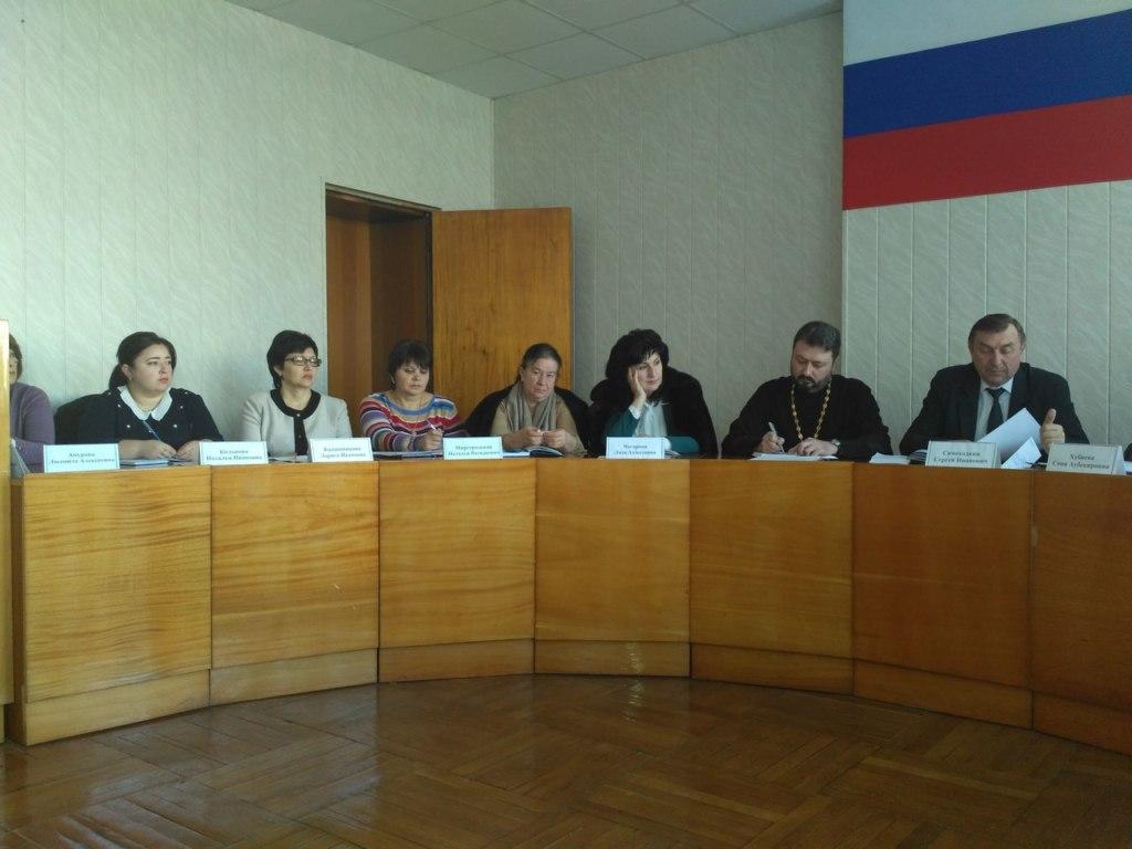 В Зеленчукской обсудили вопросы профилактики правонарушений среди несовершеннолетних