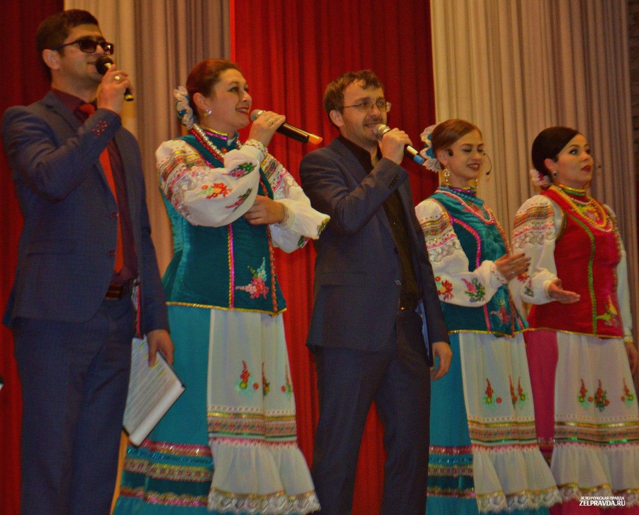В РДК Зеленчукской состоялся большой отчетный концерт