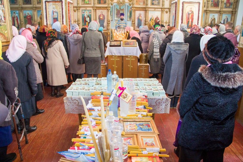 В Петропавловском храме станицы Зеленчукской будет совершен чин освящения свечей на Сретение Господне