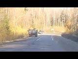Таракановское шоссе, 22.10.2017 Лопнуло колесо у грузовика.