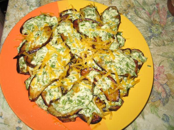...можно приготовить полезную и вкусную закуску тещин язык из баклажанов.