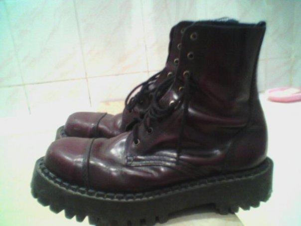 брались в обуви 21 века на садовой около года назад. . Размер 45-46