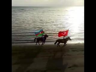Halal olsun! 9 yaşlı Gülayla və atası! İki dövlət, bir millət!