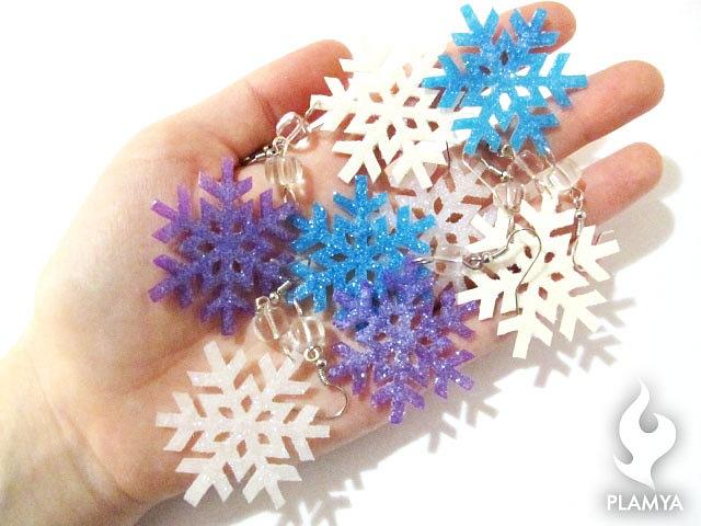 Как сделать из полимерной глины снежинку