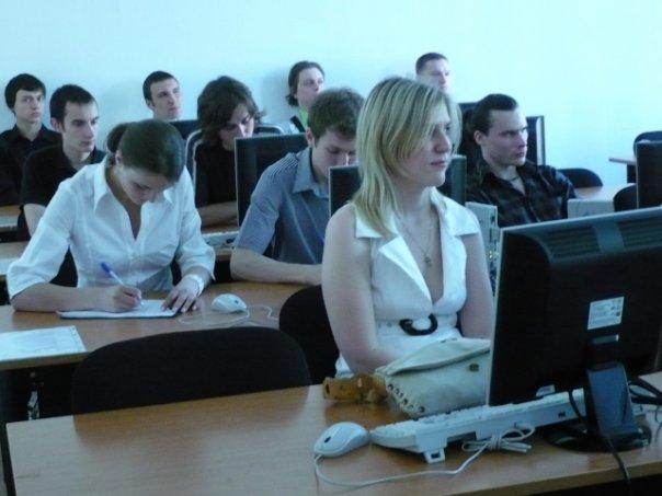 http://cs730.vkontakte.ru/u725918/94024638/x_4f43169d.jpg