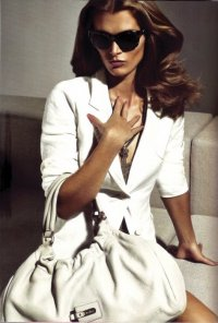 ...2010 - Рекламная кампания весна-лето 2010 модного бренда Max Mara.