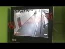 Фрагмент видео как Андрей Райский заводит в туалет своего убийцу