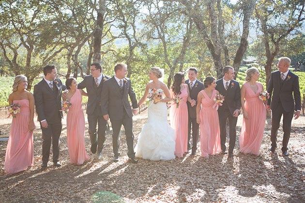 Сколько фотографов должно быть на свадьбе: мнение свадебного ведущего Волгограда