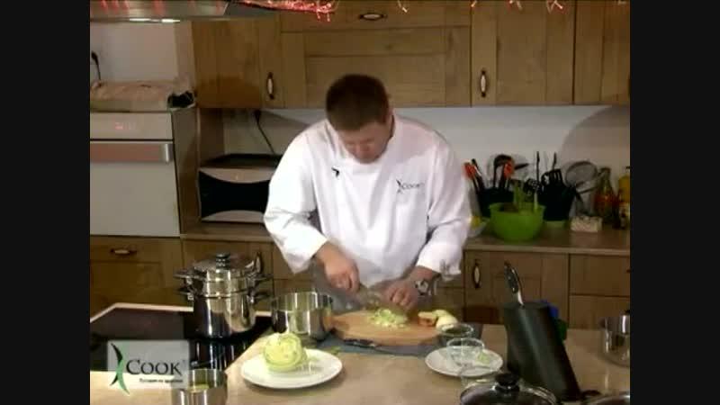 Эксперт iCook А. Семенов готовит салат 'Cтоличный'.mp4