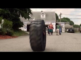 Прокатился в шине - Одноклассники 2  Grown Ups 2 Адам Сэндлер фильм 2013