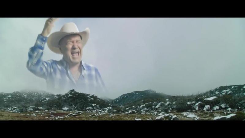Лютый пожилой ковбой орёт на дикий запад