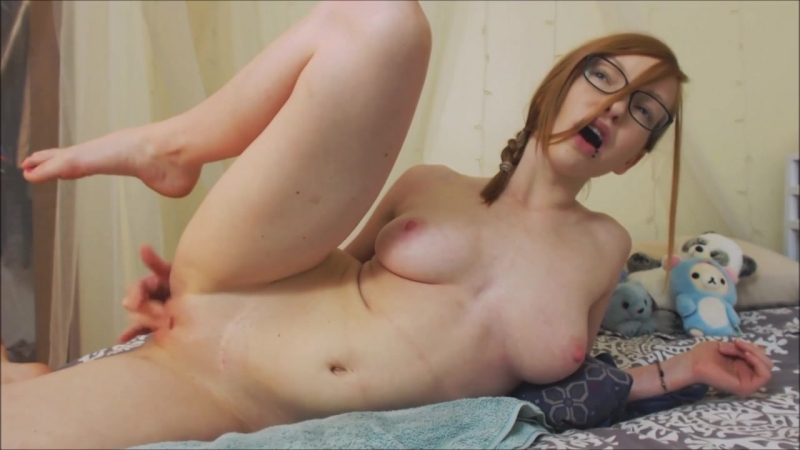 SMOKIN HOT REDHEAD CREAMS ALL OVER AND SQUIRTS Amateur, Solo, Webcam, Masturbation, Porn, Teen,
