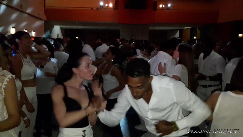 Alain Rueda Katerina Mik - El Tragico   Festival International Cubano   Orange, France 2017