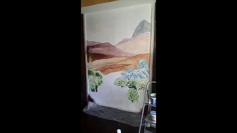 роскрыш на стене