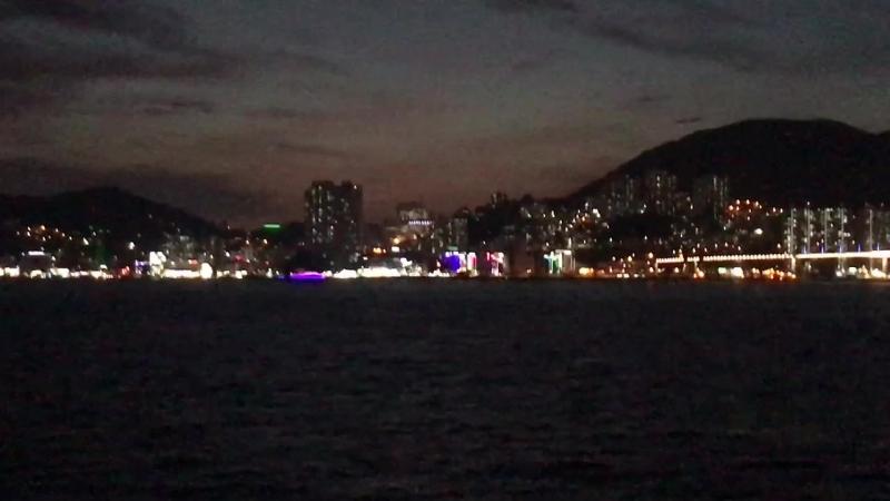 Вечерняя Южная Корея. Вид с моря на город