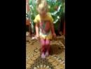 Доченька танцует