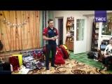 Сергей Карякин общается с воспитанниками уральского детского дома