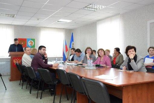 Мэр Усть-Илимского района Яков Макаров представил отчет о результатах деятельности муниципалитета в 2017 году