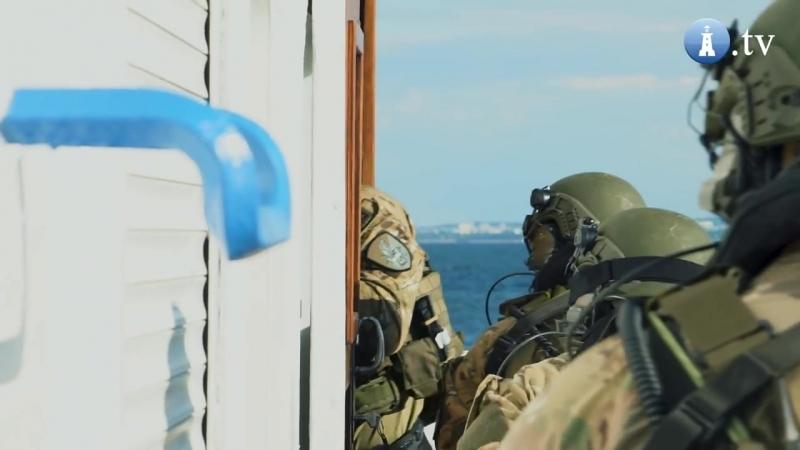 Terroryści na pokładzie katamaranu Agat