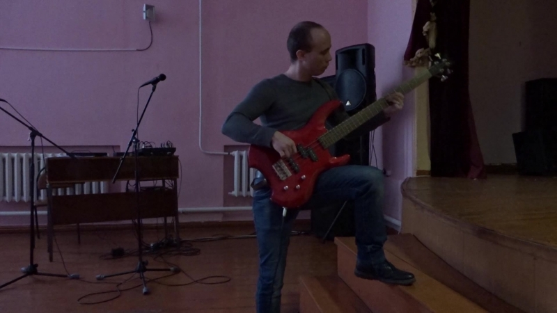 01. Elchischev Dmitriy (About me, bass guitar synthezator, drums and balalayka)