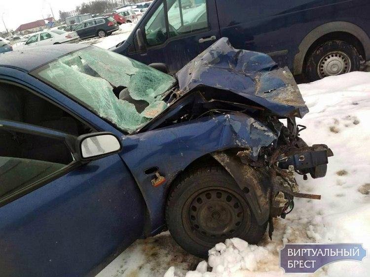 Ищем очевидцев ДТП с участием Mitsubishi и снегоуборочной машины на М1 под Дзержинском