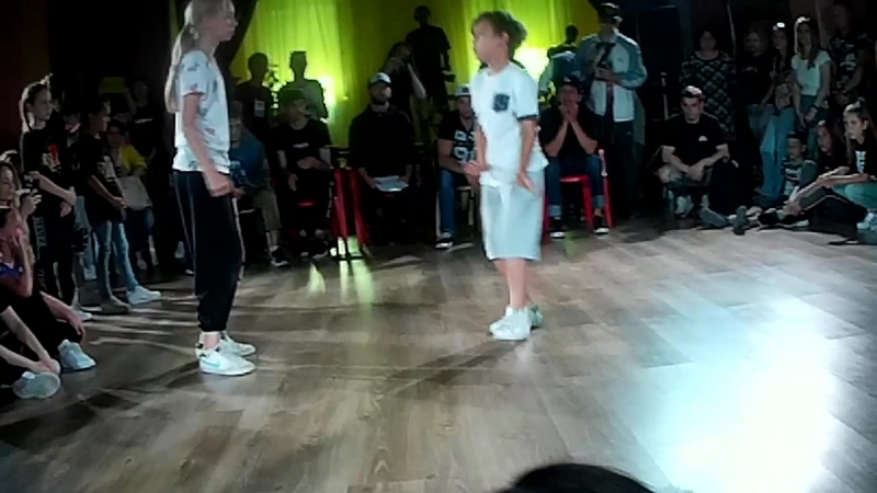 За 3 место Hip-Hop Kids Айфон Патрон vs Белоснежка