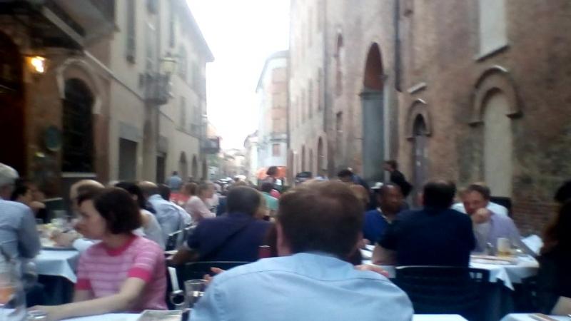 Мы с тетей путешествием Италия город Кремона ресторан пицерия