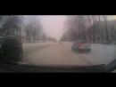 Вот, что бывает, когда не терпится начать манёвр налево. Встречный Nissan г/н Р954ВТ/12RUS выехал на мою полосу.