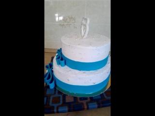 кремовый торт вес торта 4кг .с элементами мастики.
