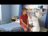 Дети играют в доктора - Лечим ларингит: ингаляции, уколы, чистка носа