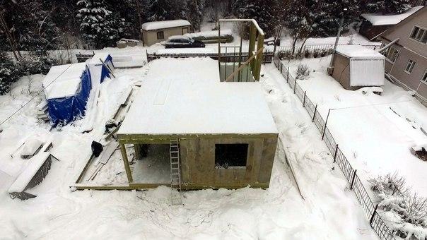Весьма нестандартный дом строится в п. Зеркальный 👍👍👍 Внимательный взгляд заметит интересные нюансы)) #ультрасип_зеркальный