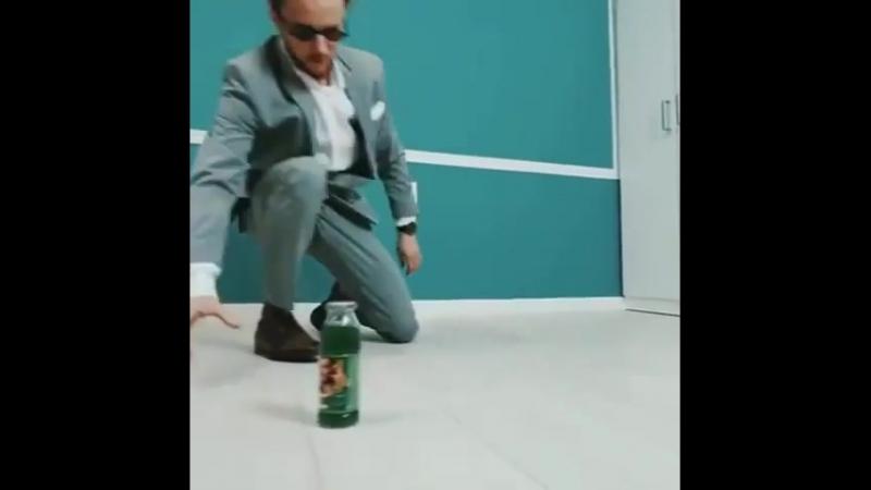 Bboy Kleju office dance