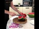 Как нарезать арбуз быстро и красиво