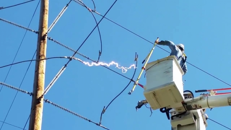 Cutting high voltage power line