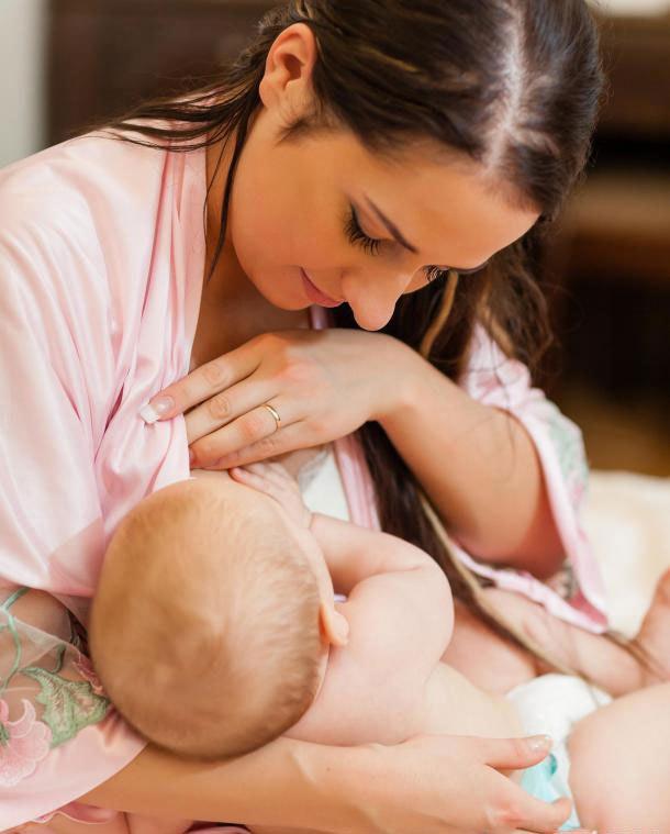 Женщины во время грудного вскармливания не должны использовать лизиноприл.