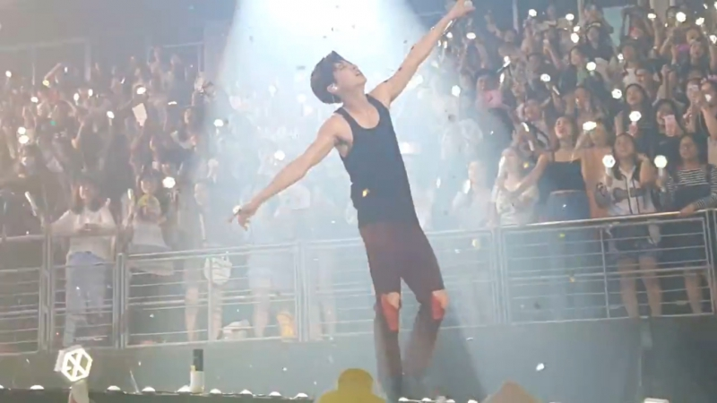 [FANCAM] 160911 EXO - Let out the beast Lucky Run @ The EXOrDIUM in Bangkok