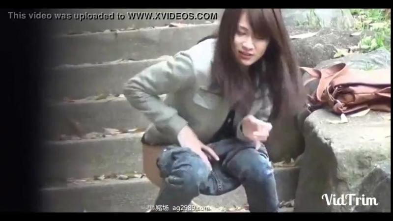 Chinese china 中国人熟女尿急野外放尿造偷拍 - XNXX.COM