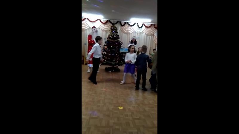 дед просто супер танцор