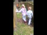 Как родители решили напугать своих детей