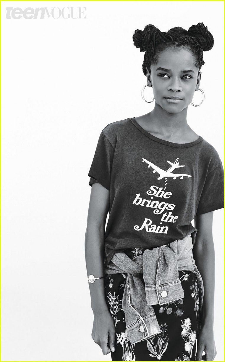 """Люпита Нионго и ее коллега по фильму """"Черная пантера"""" Летития Райт в съемке для Teen Vogue / 2017"""