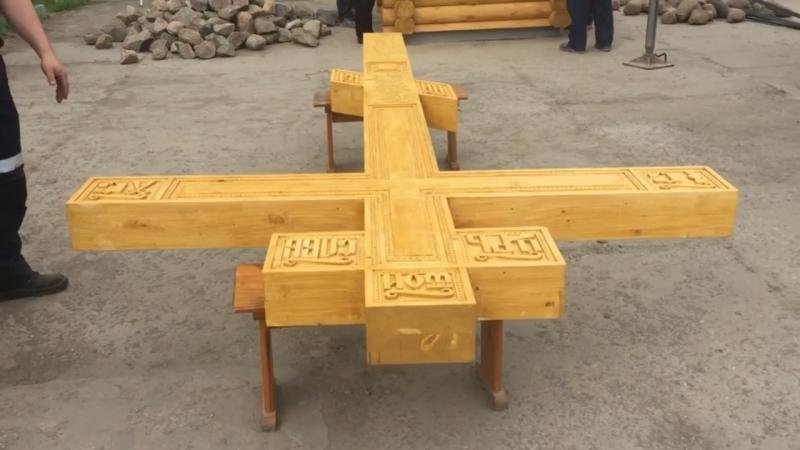 На месте будущего храма в Волхове установлен крест