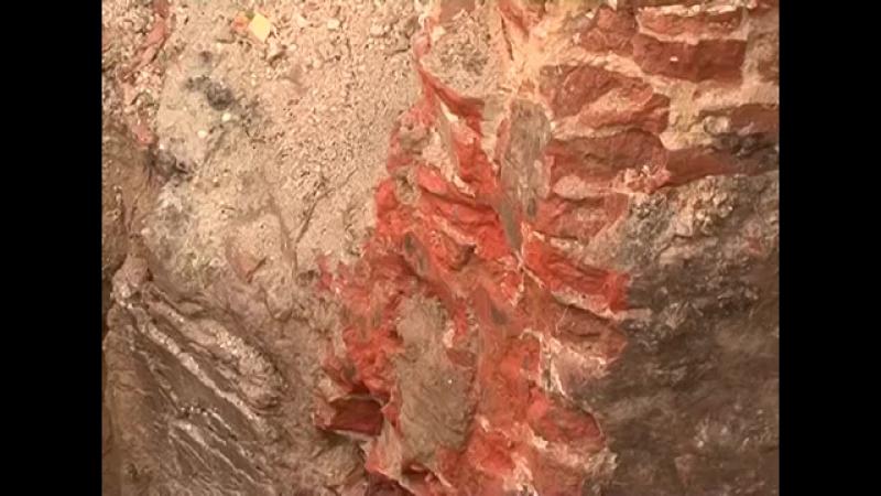 В Губкине раскопали старинный склеп (2014)