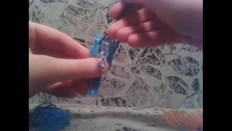 Плетение браслета из резинок 9